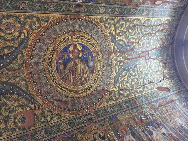 威廉皇帝纪念教堂内部