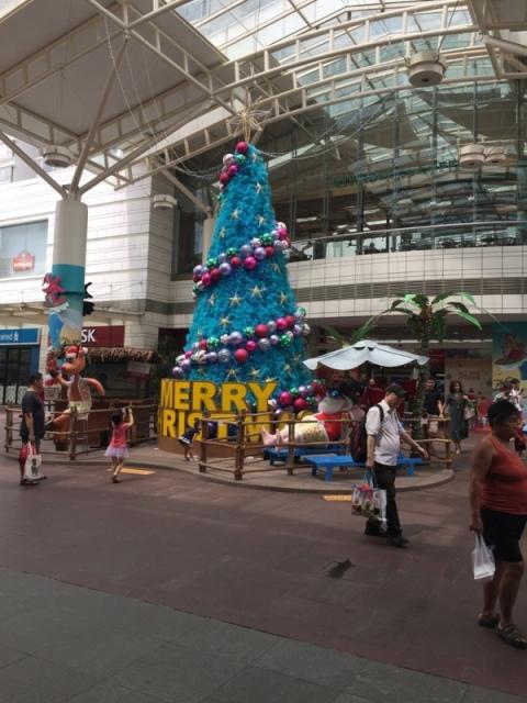 文礼(Boon Lay)地铁站
